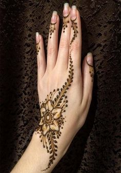 latest style women mehndi designs - Designs from the Web - Henna Designs Hand Latest Mehndi Designs Hands, Stylish Mehndi Designs, Mehndi Designs 2018, Mehndi Designs For Girls, Mehndi Design Photos, Mehndi Designs For Fingers, Simple Mehndi Designs, Bridal Mehndi Designs, Mehndi Images
