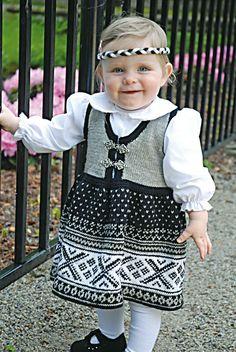 Katalog Rock it, Lillemor! Dyi Crafts, Children In Need, Knit Or Crochet, Norway, Baby Kids, Flower Girl Dresses, Knitting, Wedding Dresses, Cute