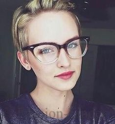 Cat eye glasses with clear/gradient frames