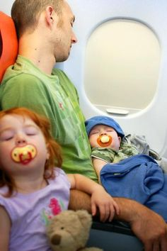 10 Ways to Survive Flying With Kids