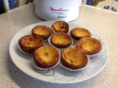 Receita proveniente do site Receitas Moulinex Muffin, Breakfast, Food, Milk, Tailgate Desserts, Recipes, Breakfast Cafe, Muffins, Essen