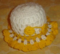 Nicer hat for children from 1-4 years. crocheted of cotton wool