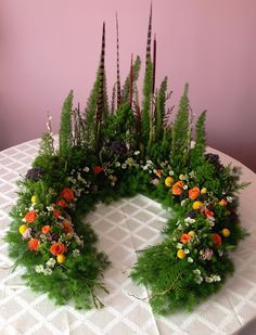 Five Common Myths about Funeral Flower Arrangements Funeral Flower - Floristik - Flowers Arrangements Funéraires, Modern Floral Arrangements, Flower Arrangement Designs, Funeral Flower Arrangements, Funeral Flowers, Flower Designs, Deco Floral, Arte Floral, Ikebana