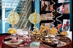 La reconocida artista plástica Betsabeé Romero engrandece las tradiciones mexicanas a través de su obra. Con su amplia trayectoria internacional, es un honor para Casa Palacio haber contado con el montaje de tan talentosa mexicana. Su mesa se basa en el chocolate y la lectura, por eso la convirtió en un altar para el escritor Gabriel García Márquez.