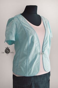 Oblečenie pre moletky. Molet moda. Plus size. Moda. Bomber Jacket, Suits, Jackets, Fashion, Down Jackets, Moda, La Mode, Bomber Jackets, Fasion