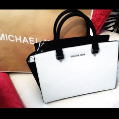 Michael kors outlet, Press picture link get it immediately!not long time for cheapest, Get Michael kors Bags right now! #AllAccessKors #NYFW #FallingInLoveWith #SpringFling