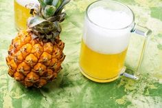 Bottle stores are closed during lockdown, but we have a healthier alternative to normal beer, and you can make it at home. Homemade Alcohol, Homemade Beer, Pineapple Beer, Pineapple Recipes, Pineapple Health Benefits, Brew Your Own Beer, Beer Recipes, Brewing Recipes, Yummy Recipes