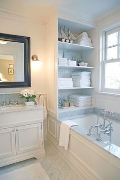 Cool 63 Relaxing Master Bathroom Bathtub Remodel Ideas. More at https://homedecorizz.com/2018/02/24/63-relaxing-master-bathroom-bathtub-remodel-ideas/ #masterbathrooms #remodelingideas #masterbathroombathtub #masterbathroomremodeling