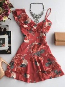 Compre Vestido Feminino pelo Menor Preço e encontre tudo em moda feminina para renovar seu guarda roupas. Dress Shorts Outfit, Dress Outfits, Vestidos Farm, Summer Outfits, Summer Dresses, Casual Looks, Bathing Suits, Short Dresses, Rompers