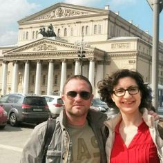 #MoscowTours Happy tourist + Happy guide=Harmony  On our Free Tour with a charismatic #Italian. Yes, its Bolshoi theater hehind us ;) #friendlylocalguides #moscow #moscowtour #moscowfreetour #freetourmoscow #freetour #travelmoscow #travelrussia #bolshoitheater