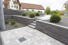 The fascination of stone Rinn informs you about concrete blocks natural stone walls paving stones and their prices. Now at Rinn Betonsteine and Naturs Concrete Blocks, Concrete Patio, Natural Stone Wall, Natural Stones, Backyard Patio, Backyard Landscaping, Back Gardens, Outdoor Gardens, Patio Steps