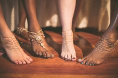 Barefoot Beauties! Olympia + her bridesmaids in their Forever soles barefoot sandals. Styles: Enchanted + Cherish. Photography by: Golden Arm Media.