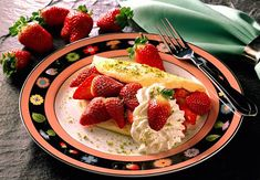 Schaumomelette mit Erdbeeren Rezept | LECKER