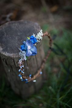 Flower head wreath in brown, blue colors, ideal for a woodland wedding or for everyday use :) The size is universal, the flower wreath is