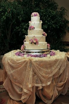 cake table linens