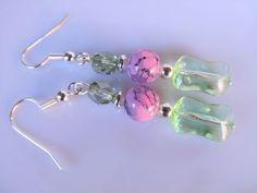 Oorbellen Spring Glass heldere lichtgroene glaskraal met coated glaskraal roze marmer en tsjechisch facet glas in groen. geheel verzilverd. Swarovski, Drop Earrings, Jewelry, Fashion, Ear Studs, Wristlets, Moda, Jewlery, Jewerly