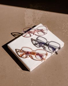 Defined by its bold frame, these squared shaped Cyprus opticals are synonymous with all things fashion. Straight lines and subtle curves come together to create a strong yet refined style.