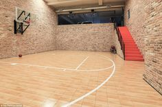Off the car park there is an indoor basketball court, where Spieth can take on his buddies in shooting some hoops