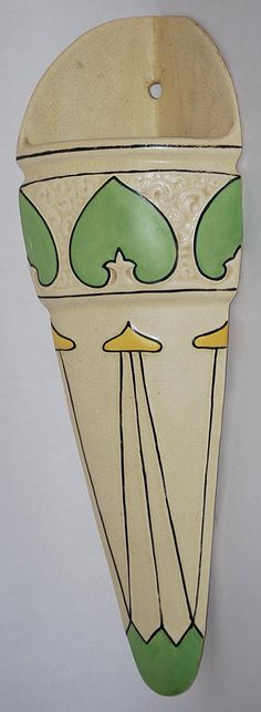 Roseville Pottery Creamware Traced and Decorated Corner Wall Pocket 336 - I like the simplicity of the glazed areas