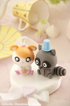 LOvely  hamster and raccoon Wedding Cake Topper