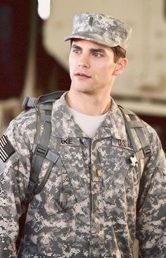 Brant Daugherty Army Wives
