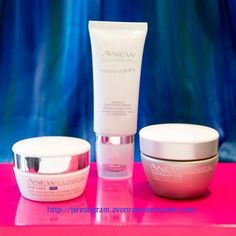 Skincare Sunday: Today we're giving ourselves an at-home visible lift with 3 of our favorite ANEW lifting products! We love that our skin looks tighter, firmer and more lifted with no drastic effort needed!
