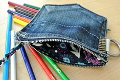 Jean back pocket coin purse with D-ring