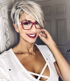 nice 35 Pretty Pixie Haircuts for Thick Hair in Are ladies' pixie cuts in for Definitely! The short pixie haircut is as yet hot and getting one is the ideal method to emerge from the group. Re…, Pixie Haircuts medianet_width = medianet_height = . Short Hair Cuts For Women, Short Hairstyles For Women, Curly Hairstyles, Hairstyles 2018, Trendy Hairstyles, Medium Hairstyles, Haircuts For Older Men, Hairstyle Short, Bandana Hairstyles