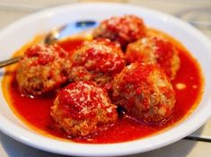 Italian Meatballs -- A makeover of traditional meatballs with the addition of lean ground beef, minced carrots, mushrooms and zucchini as well as whole wheat bread crumbs. From Lauren and Kathy, the dietitians behind the Meatball Recipes, Beef Recipes, Italian Recipes, Healthy Recipes, Yemeni Food, Best Meatballs, Italian Meatballs, Pizza Joint, Food Places