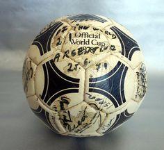 Original Adidas soccer ball ARGENTINA Vs. REST OF THE WORLD 1979 many AUTOGRAPHS
