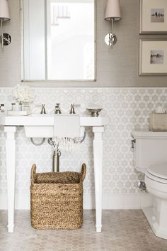 Modern Bathroom With the trendy Design modern living also the bathroom is lined up. Taupe Bathroom, Small Bathroom Tiles, Bathroom Design Small, Bathroom Flooring, Modern Bathroom, Bathroom Ideas, Small Bathrooms, Bathroom Designs, Bathroom Remodeling