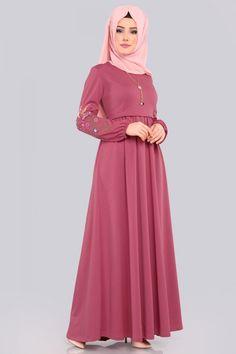 Muslim Fashion, Hijab Fashion, First Birthday Outfit Girl, Black Abaya, Hijab Dress, The Dress, Frocks, Aurora Sleeping Beauty, Girl Outfits