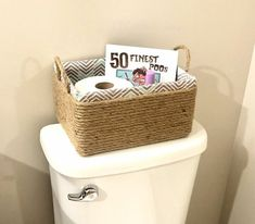 DIY rope basket- Upcycle your old box into the perfect storage solution. Organize your bathroom or your home with this great budget friendly upcycle. Organize your home on a budget. Diy Cadeau Noel, Sisal Rope, Rope Basket, Old Boxes, Storage Baskets, Diy Storage Boxes, Plates On Wall, Diy Wall, Easy Diy