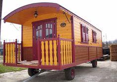 Gartenhaus ohne Baugenehmigung.  Umgebauter Luxuswohnwagen als transportables Gartenhaus