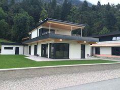 Fertighaus in 6408 Pettnau - Flexible Fertighaus Roof Design, House Design, 2 Story Houses, Dream House Exterior, Architect Design, Modern Architecture, Bungalow, Facade, Pergola
