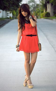 Coral is so in right now, and the beige wedges/ chunky heels? Perfect!