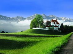 So many beautiful places in Austria: Igls Alpes Austria World Famous Places, Places Around The World, Around The Worlds, Wallpaper Travel, Nature Wallpaper, Wallpaper Ideas, Wall Wallpaper, Places To Travel, Places To See