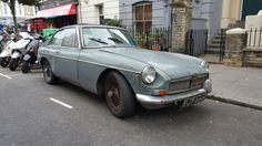 MG GT 1800, Cambridge Gardens (Londres)