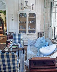 The blue and white check reminds me of Nanny. Room of the Day ~ mix of blue checks, stripes, white panelling and scrumptious curved piece - from One Man's Folly: The Exceptional Houses of Furlow Gatewood Blue Rooms, White Rooms, Casas Magnolia, Home And Deco, White Decor, Beautiful Interiors, Country Decor, Country Living, Great Rooms