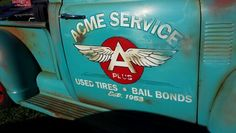 At Goodfuys Spring Nationals in Scottsdale AZ Truck Lettering, Vintage Lettering, Antique Trucks, Vintage Trucks, Door Signage, Door Letters, Vehicle Signage, Pinstripe Art, Truck Signs