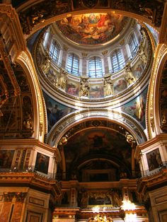 Interior of Saint Isaac´s cathedral in St. Petersburg, Russia.