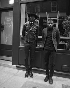 Art Comes First #shakamaidoh #toubalondon #stylishbyaccident #acf #artcomesfirst #blackonblack #allblackeverything #mensfashion #fashion #pins #hat #rudeboy #londonfashion #eastlondonstyle #fixuplooksharp #streetstyle #menstreetstyle #menswear #fashion #blackandwhite