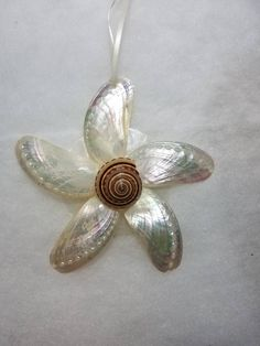 Your place to buy and sell all things handmade Seashell Christmas Ornaments, Coastal Christmas Decor, Seashell Ornaments, Handmade Christmas, Christmas Crafts, Nautical Christmas, Seashell Projects, Seashell Crafts, Shell Flowers