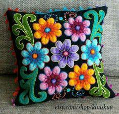 Peruvian Pillow cushion cover Hand embroidered flowers Sheep & alpaca wool 16 x 16 handmade Black Mexican Embroidery, Crewel Embroidery, Embroidery Patterns, Embroidered Cushions, Embroidered Flowers, Green Cushion Covers, Green Pillows, Wool Applique, Felt Crafts