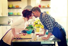 Kitchen and Cooking engagement photos. Fun engagement photos of couple cooking together. Cooking Icon, Cooking Chef, Fun Cooking, Cooking Classes, Cooking Tips, Cooking Png, Cooking Recipes, Cooking For A Group, Couple Cooking