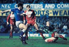 26 December 1988 Tony Cottee meets a near post cross from Ian Sndoin to turn home Everton's second, and winning, goal against 'Boro'
