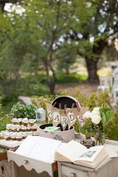 We love this rustic display for wedding cards. A great idea for a rustic or vintage wedding! {Photography by Verdi}