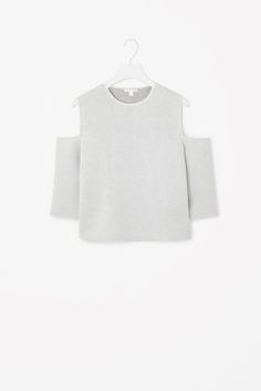 Shop jumpers and cardigans from the women's knitwear collection at COS; 2015 Trends, Fall Trends, Street Style Looks, Summer Wardrobe, Autumn Winter Fashion, Knitwear, Crop Tops, Clothes For Women, Tricot