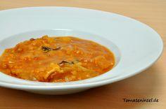 Zutaten (3 Portionen): 3 EL Olivenöl 1 Zwiebel 5 getrocknete Salbeiblätter 130 g Baguette (1 – 2 Tage alt) 500 g passierte Tomaten 1/2 – 1 TL Salz Pfeffer 1 EL Gemüsebrühepulver 1 l heißes Wasser Zubereitung: 1 EL Olivenöl in einem Topf erhitzen. Die Zwiebel schälen, klein schneiden und zusammen mit den Salbeiblättern inRead more Pasta, Soups, Curry, Ethnic Recipes, Food, Baguette Recipe, Stew, Bread Soup, Vegetarian Meals
