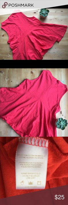 Anthropologie Deletta Red Mockneck Tank Size S . True red color even though it looks orange. It's a lighter red with orange hue however. Mockneck tank. Note Tank is same style as cover shot but in different color Anthropologie Tops Tank Tops